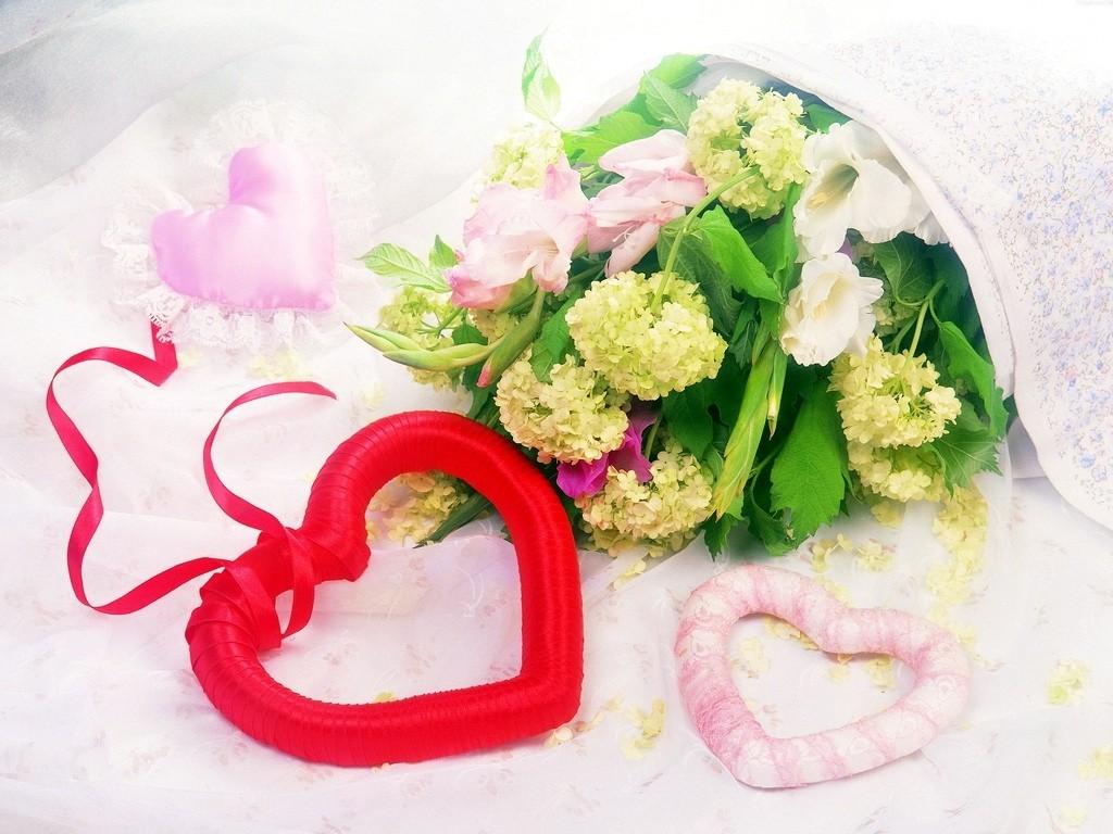 картинки сердечки из цветов: