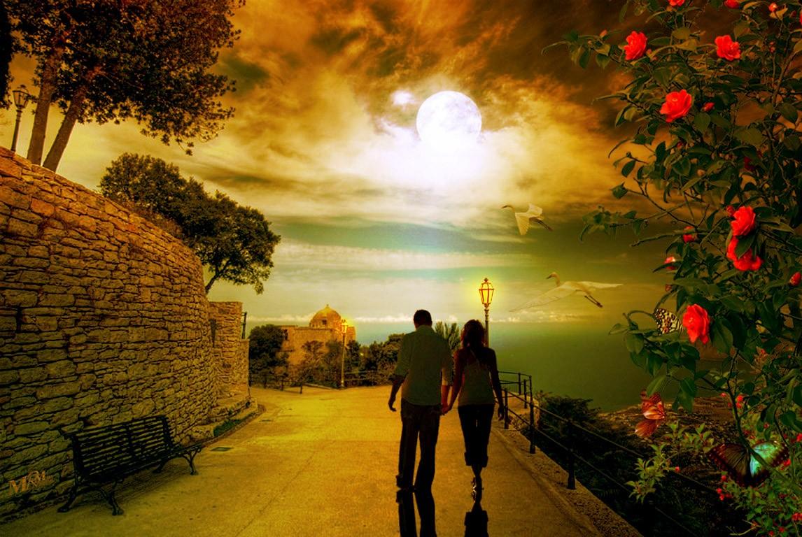 Прогулка влюбленных парочка гуляет
