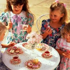 Когда ребенка можно отпускать на праздник одного?
