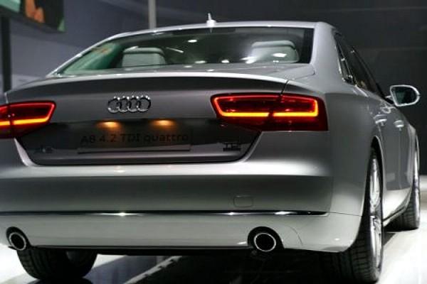 Audi A8 — тыл