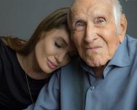 Анжелина Джоли снимет фильм о герое войны